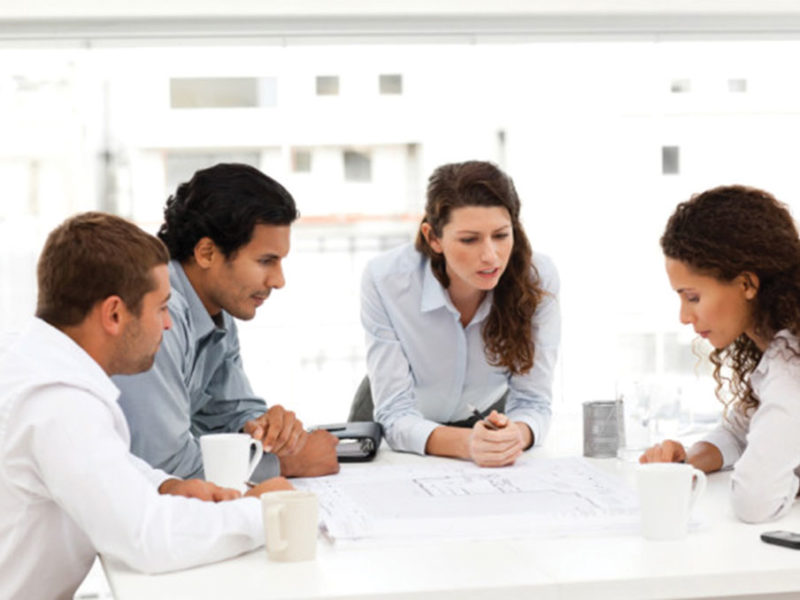 The-Gloss-Magazine-Look-the-business-Productive-Meeting-Skills