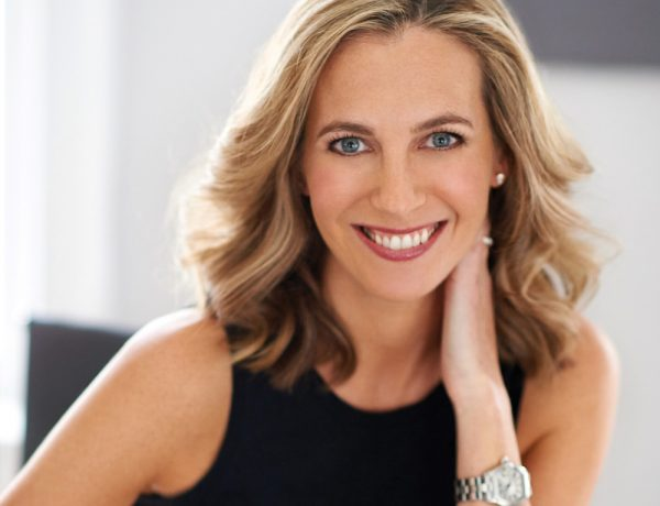 The-Gloss-Magazine-Look-The-Business-Lauren-Weisberger-featured