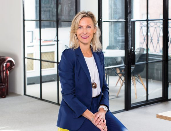 The-Gloss-Magazine-Look-The-Business-Elaine-Devereux-featured